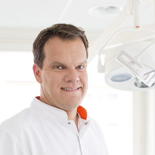 Dr. Gaël Butticaz